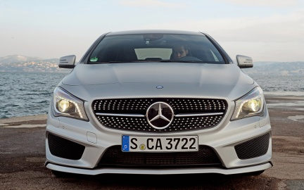 2014-Mercedes-Benz-CLA250-front-end-2